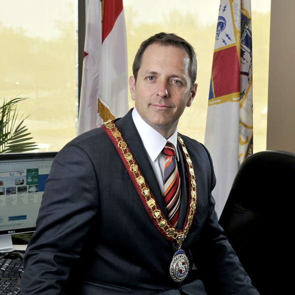 19bb0-niagara_falls_mayor_jim_diodati